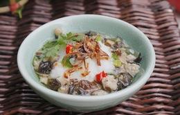 Khám phá hương vị bánh đúc nóng gia truyền hơn 30 năm tại Hà Nội