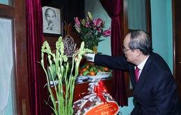 Chủ tịch MTTQ Việt Nam dâng hương tưởng nhớ Bác Hồ