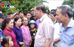 Chủ tịch nước thăm người dân vùng ngập lụt ở Đà Nẵng