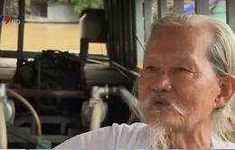 Lão nông ngoài 80 tuổi tự chế thuyền máy phục vụ chữa cháy
