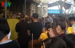 Chưa khai hội, chùa Hương Tích Hà Tĩnh đã tiếp đón hàng nghìn du khách