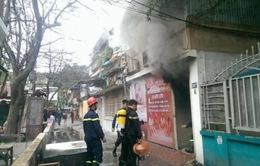 Kịp thời dập tắt vụ cháy tại phố Thái Hà, Hà Nội