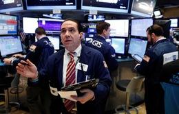 Chứng khoán Mỹ sụt giảm mạnh do hoài nghi chính sách kinh tế của ông Trump