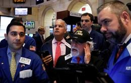 Thị trường chứng khoán Mỹ: 3 chỉ số chính đều chìm trong sắc đỏ