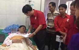 Hội chữ thập đỏ Việt Nam cứu trợ 1 tỷ 50 triệu đồng cho vùng lũ