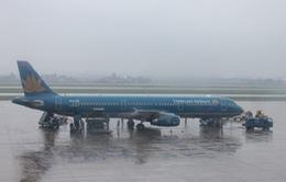 Nhiều chuyến bay bị hủy do ảnh hưởng áp thấp nhiệt đới