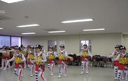 """Câu lạc bộ cổ vũ của các cụ bà gây """"sốt"""" tại Hàn Quốc"""