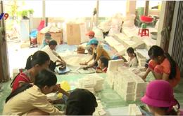 Phú Yên: Làng cốm thôn Phong Hậu rộn ràng dịp cúng ông Táo