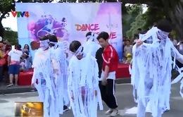 Hàng ngàn bạn trẻ tham gia chương trình Dance for love 2017