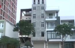 Đà Nẵng: Khách sạn 7 tầng nghiêng, làm nứt nhà dân