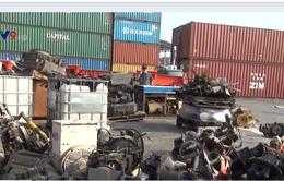 Phát hiện 3 container chứa động cơ ô tô nhập lậu tại TP.HCM
