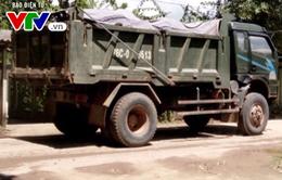 Xe quá tải băm nát đường dân sinh ở Quàng Ngãi