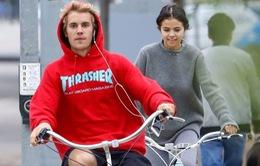 """Selena Gomez – Justin Bieber """"khởi động lại"""" chuyện tình cảm"""