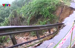 Thừa Thiên-Huế vẫn còn nhiều điểm bị chia cắt sau mưa lũ