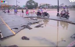 [Tiêu điểm] Lộ diện các công trình kém chất lượng sau lũ lụt