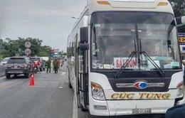 Bình Thuận: Xe khách đâm vào ba xe máy, 4 người thương vong