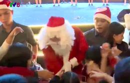 Không khí đón Giáng sinh tại Đà Nẵng và Nha Trang