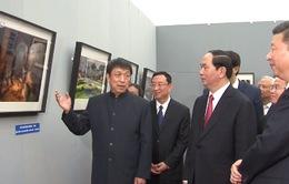 Chủ tịch nước tham quan triển lãm ảnh về Việt Nam tại Trung Quốc