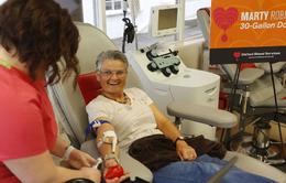 Mỹ: Cụ bà hiến hơn 136 lít máu trong 43 năm