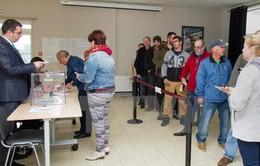 Bầu cử Hạ viện Pháp vòng 2: Cử tri các vùng lãnh thổ thuộc Pháp bắt đầu đi bỏ phiếu