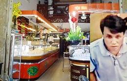 Bắt giữ đối tượng gây ra 9 vụ lừa đảo tiệm vàng tại Hà Nội