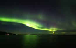 Cực quang rực rỡ trên bầu trời Phần Lan