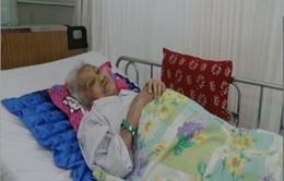Cứu sống cụ bà 90 tuổi vỡ động mạch chủ bụng