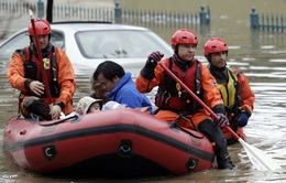 Người Việt tại California trở về nhà sau lũ lụt