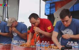 Thú vị cuộc thi ăn cánh gà ở Mỹ