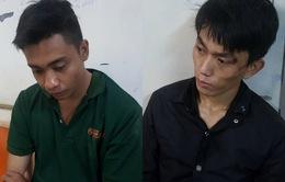Bắt 2 tên cướp dùng dao đâm bảo vệ ở TP.HCM