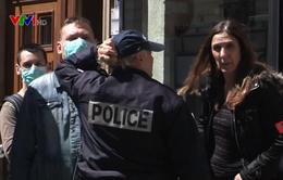 Cướp cửa hàng trang sức ở Paris