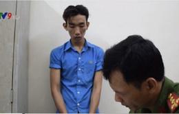 """Bắt """"nóng"""" 2 đối tượng cướp giật điện thoại tại TP.HCM"""