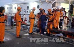 9 ngư dân bị nạn trên biển