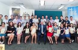 Australia hỗ trợ 8 tỷ đồng cho cựu sinh viên