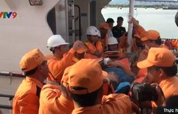 Bà Rịa - Vũng Tàu: Cấp cứu thuyền viên tàu cá nguy kịch về bờ