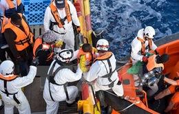 Gần 1.800 người di cư được cứu trên biển Địa Trung Hải