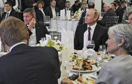 Cựu cố vấn an ninh Mỹ Flynn bị tố nhận hơn 55.000 USD từ Nga