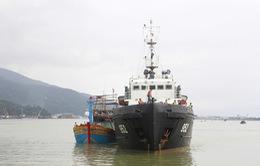 Vùng 3 Hải quân cứu nạn thành công hàng chục ngư dân trong mưa bão