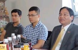 Đại sứ Vũ Đăng Dũng thăm các TTTM của người Việt tại Ba Lan