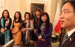 Đại sứ Việt Nam tại Ba Lan gặp gỡ đại diện các tổ chức cộng đồng