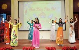Đại sứ quán Việt Nam tại Trung Quốc tổ chức Tết Cộng đồng