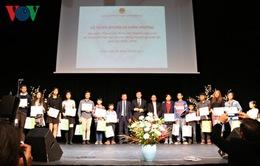 Vinh danh sinh viên, học sinh xuất sắc người Việt tại Czech