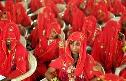 131 cặp đôi làm đám cưới tập thể ở Ấn Độ