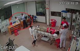 Bộ Y tế yêu cầu báo cáo vụ bác sĩ ở Nghệ An bị hành hung