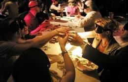 Jordan: Độc lạ nhà hàng ăn trong bóng tối
