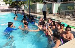 Bắt buộc dạy bơi trong nhà trường
