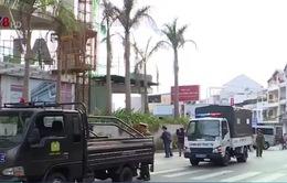 Hàng loạt ô tô vi phạm về dừng, đỗ xe tại Đà Lạt