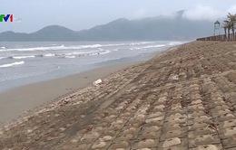 Nhiều tuyến đê biển ở Hà Tĩnh chưa kiên cố