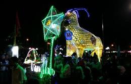 Những mô hình đèn Trung thu độc đáo tại Lễ hội Thành Tuyên 2017