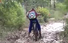 Người dân Bạc Liêu khổ sở vì con đường lầy lội